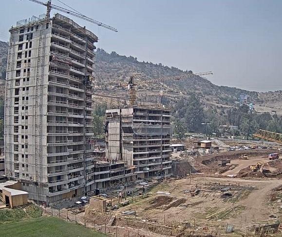 Imagem gerada por uma das câmeras da construtora, transmitida para a internet